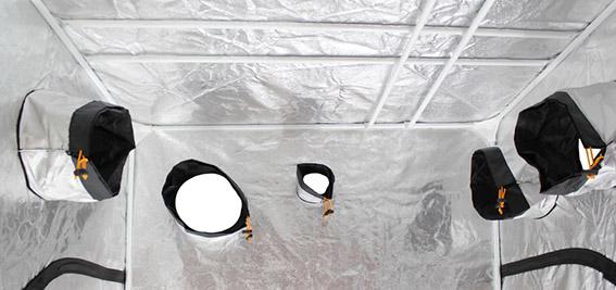 Armario Dark Box y sus salidas y puertos para ventilacion